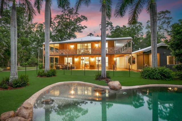 custom designed luxury homes brisbane